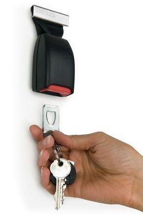 Deze handige sleutelhanger was ooit onderdeel van de autogordel.