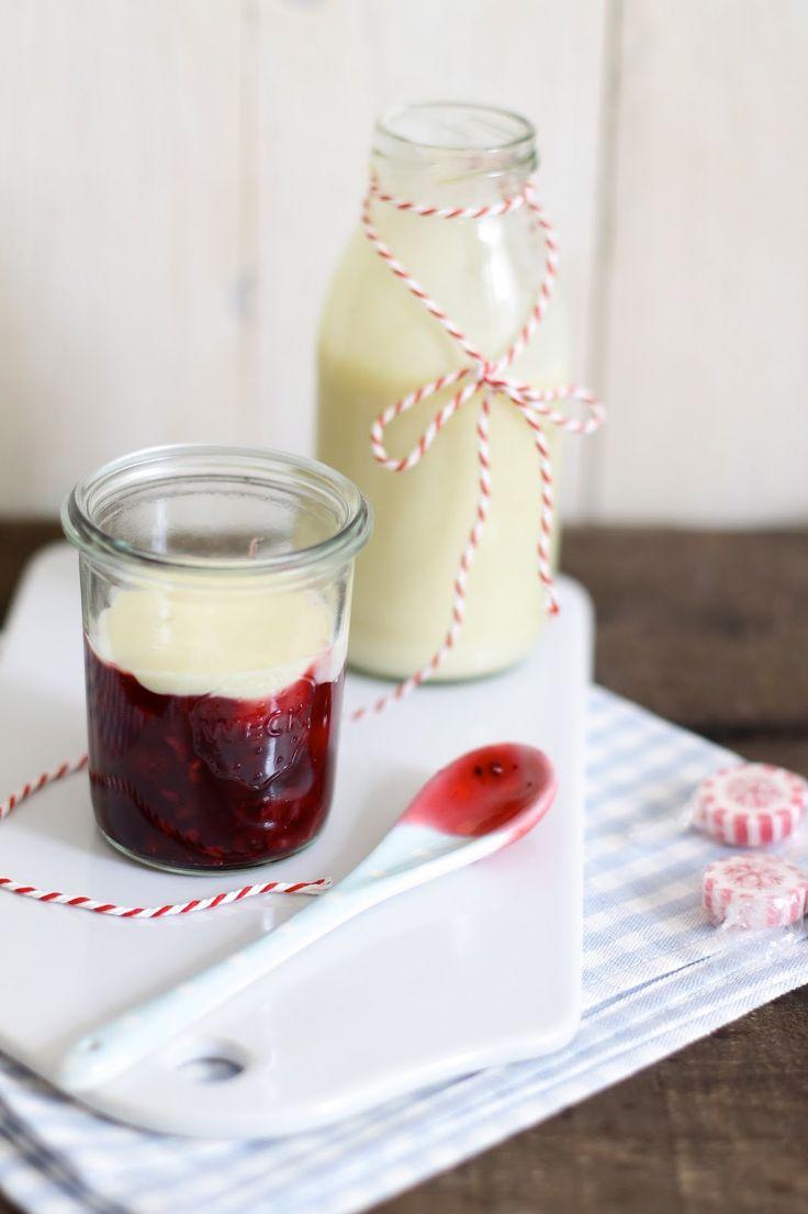 Lykkelig - mein Foodblog: Eine Schüssel voller Kindheitserinnerungen: Rote Grütze mit Vanillesoße