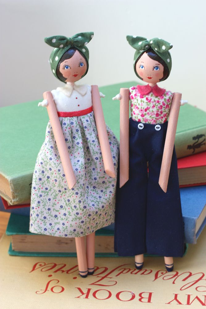 Little Darling 1940 S Girls Dorothy And May Wooden Dolls