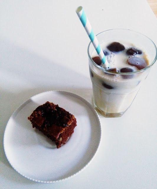 QUICK CHOCOLATE PIE & HOMEMADE ICED COFFEE