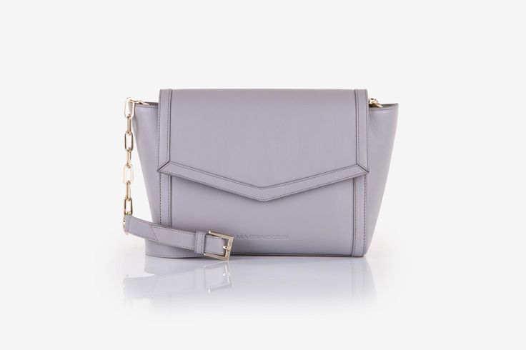 Zhoe in grey cow-hide leather. Front view.