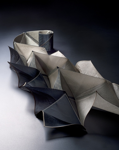 Origami Pleats - 3D textiles design with collapsable pleated structure - fabric manipulation; creative textiles // Reiko Sudo