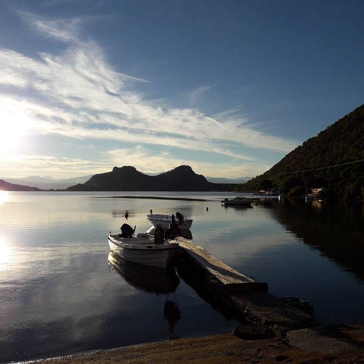 Τωρα στην αγαπημενη μας Λιμνη Βουλιαγμενης !! Καλο μηνα !!