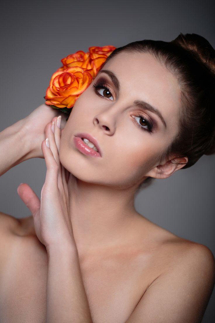 model: Aleksandra Pieczek mua: Paulina Kaleta  more: DawidBala.com