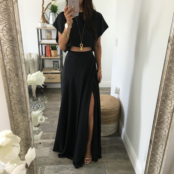 Saw this skirt online and loved it. Would not wear a cropped top. But the skirt is awesome.