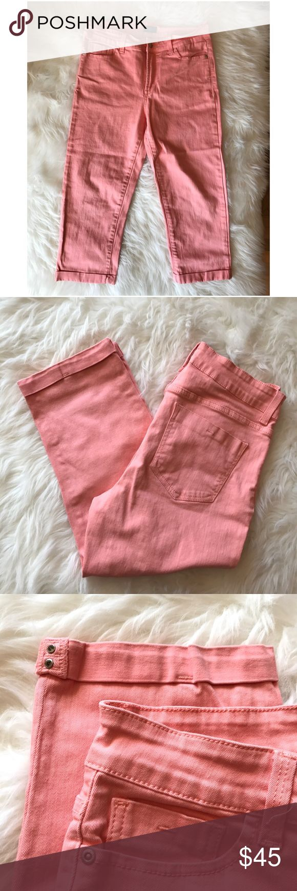 NYDJ Not Your Daughter Jeans Coral Capri sz 8 Perfect color for spring! Coral pair of capris by NYDJ in size 8. In excellent condition. Worn twice. NYDJ Jeans Ankle & Cropped
