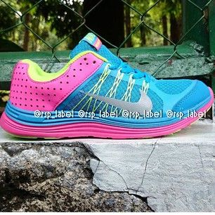 Sepatu Nike Terbaru | Shopious
