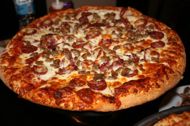 halal pizza at Toppings in Richmond Hill