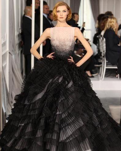 Robe longue Robe longue Dior haute couture. Modèle n°35. DIOR
