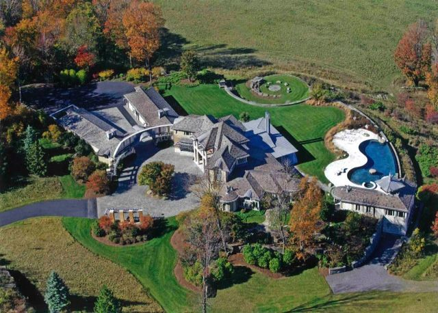PENNSYLVANIA - Luxury five bedrooms villa with swimming pool for sale  Wonderful villa for sale in Pennsylvania. A house built on 100 acres of land (about 40 ha) in the town of Jersey Shore.