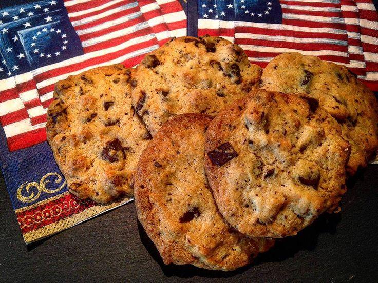 Ein paar frische American Cookies zum Kaffee #alex #coffee #kaffee #cookie #whisky greenape.life/WhiskyCoffee #singlemalt #keks #backen #dorit #greenape #nord #niedersachsen #makesyourlifebetter