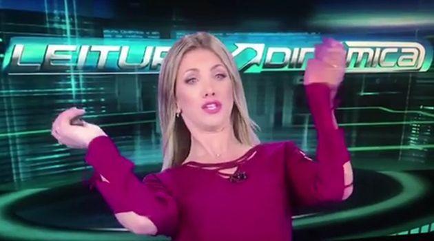 Apresentadora da Rede TV! se assusta com abelha em gravação de jornal #Apresentadora, #Corpão, #FernandaSouza, #Gente, #Instagram, #Loira, #Ludmilla, #Noticias, #Programa, #Tv, #Vídeo http://popzone.tv/2017/01/apresentadora-da-rede-tv-se-assusta-com-abelha-em-gravacao-de-jornal.html