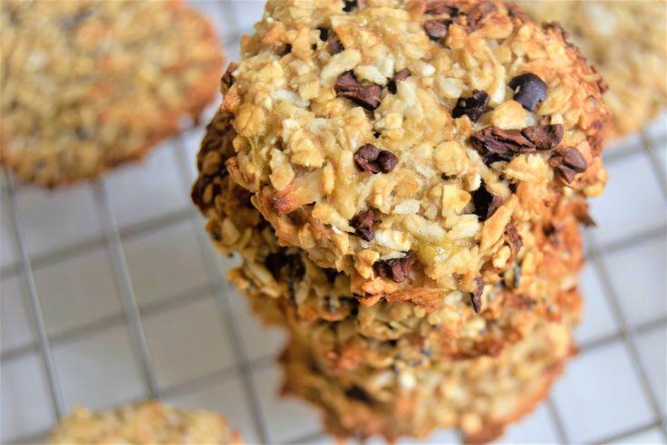 Drie ingrediënten, 5 minuten voorbereiden, de rest doet de oven. Het resultaat zijn heerlijke zelfgemaakte gezonde kokoskoekjes. Zie het recept hier!