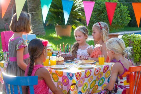 Per i #bambini quello del #compleanno è un giorno magico! Con alcune di queste idee da nostrofiglio.it e un po' di fantasia puoi rendere la sua festa un vero successo. Leggi l'articolo!  #gioco #allegria #Nappynat