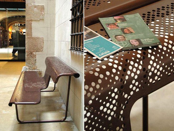 Steel Bench with back EL POETA by BD Barcelona Design | design Alfredo Häberli