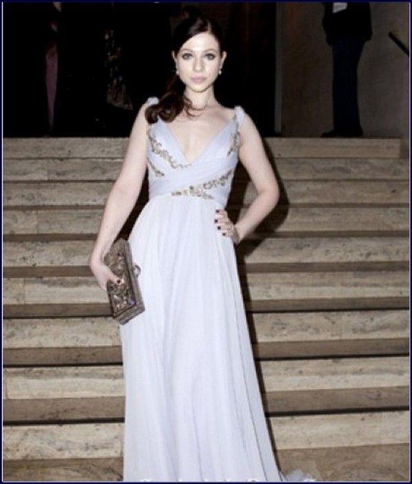 Michelle-Trachtenberg-Evening-Dress-Mew-design