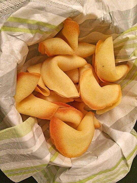 Chinesische Glückskekse, ein raffiniertes Rezept aus der Kategorie Kekse & Plätzchen. Bewertungen: 103. Durchschnitt: Ø 4,3.