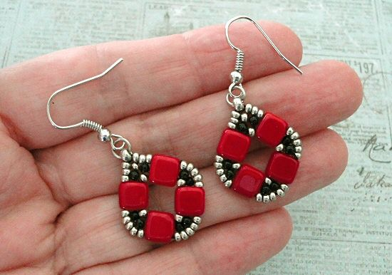Linda's Crafty Inspirations: Bracelet & Earrings of the Day: Coin Bands - Red & Black