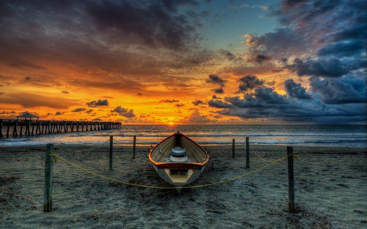 ビーチ、木製橋、ボート、日没、桟橋、海、雲 壁紙 - 1920x1200