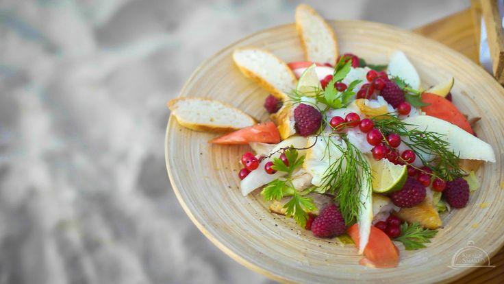 Sałatka z rybą wędzoną. Przepisu szukaj na  http://www.kreatorsmaku.tv/przepisy/salatka-ryba-wedzona/