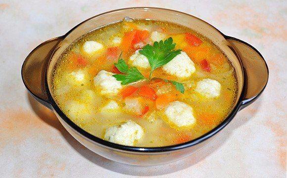 Очень вкусный овощной суп с сырными клецками