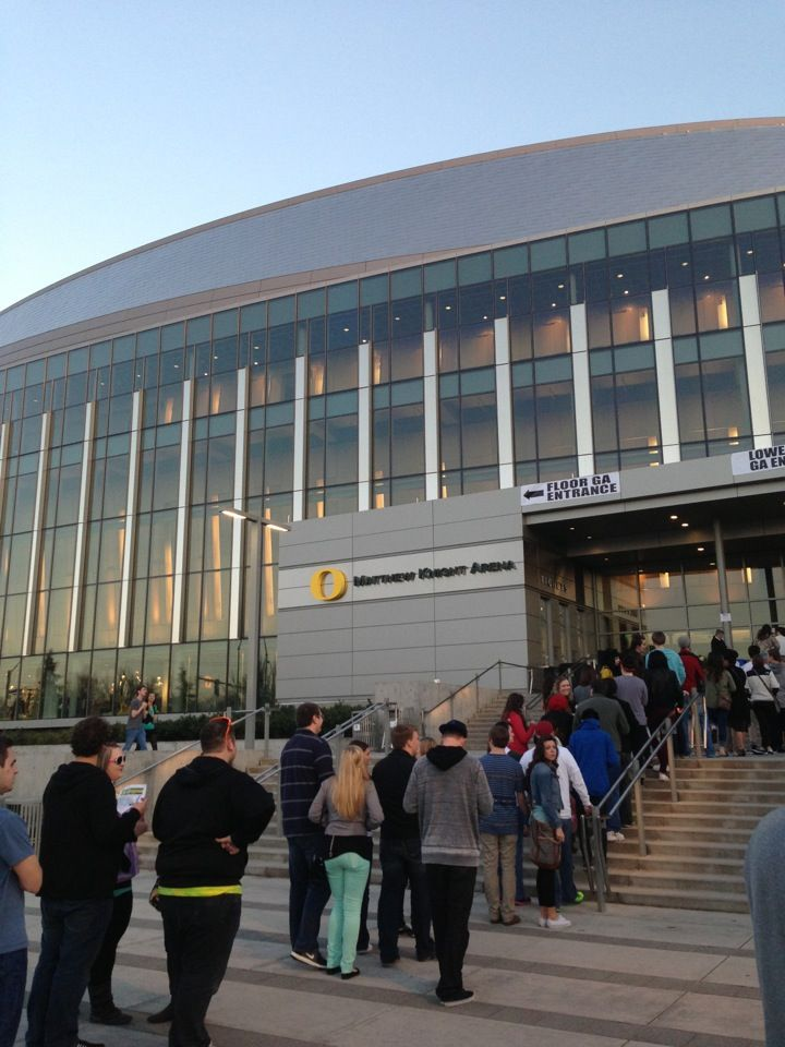 """The University of Oregon's 400,000 square foot arena was awarded #LEED Gold for New Construction in 2013 and was the first building on the Eugene campus achieve LEED Gold status. The University's Associate Vice President, Campus Planning and Real Estate, Chris Ramsey, noted: """"LEED certification for the Matthew Knight Arena aligns perfectly with the University's commitment to maintain the current carbon footprint of our 295-acre campus while growing and expanding our facilities."""" #UOregon"""