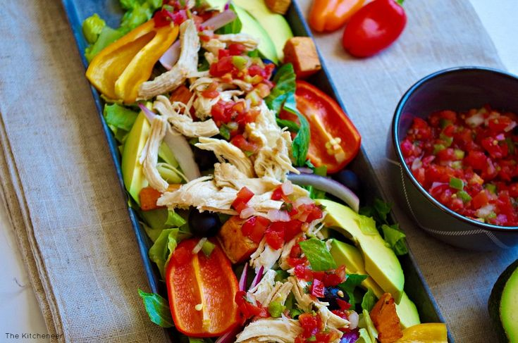 Shredded Chicken Nacho Salad | http://www.thekitcheneer.com/2016/01/27/shredded-chicken-nacho-salad/