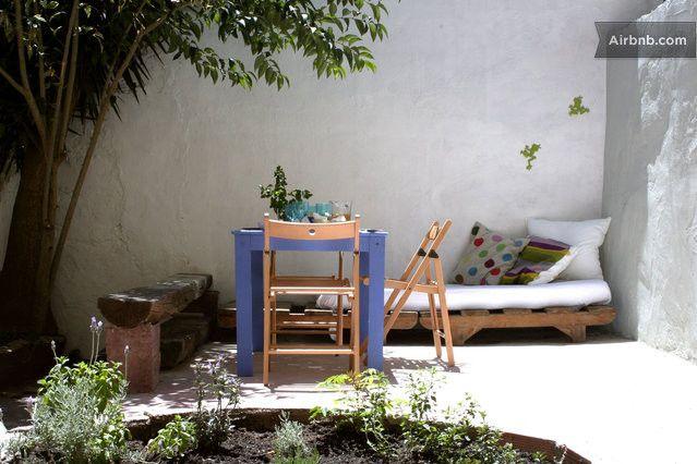 Cozy, Romantic Central with Garden in Lisbon $49