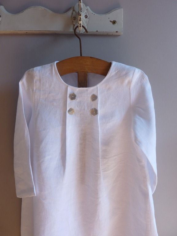 beautiful tunic from http://1bellehistoire.canalblog.com