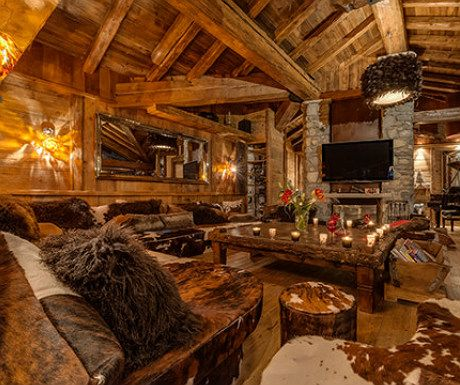 Family fun in Hawaii, luxury in Nevis, a Disneyland members-only club and skiing in Val d'Isere http://www.aluxurytravelblog.com/2014/02/27/family-fun-in-hawaii-and-more/