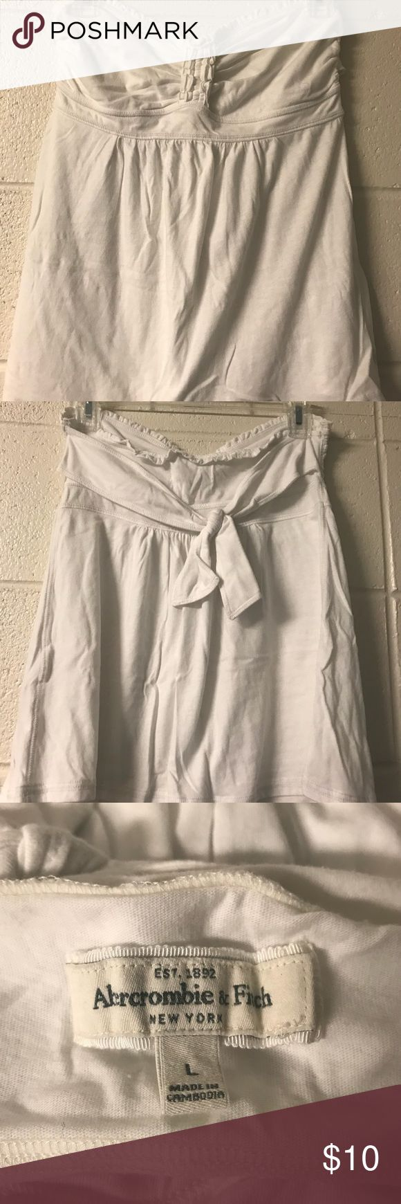 White Strapless Abercrombie and Fitch Top Barely worn strapless white Abercrombie and Fitch top with small stain on front (shown in last picture) Abercrombie & Fitch Tops Camisoles