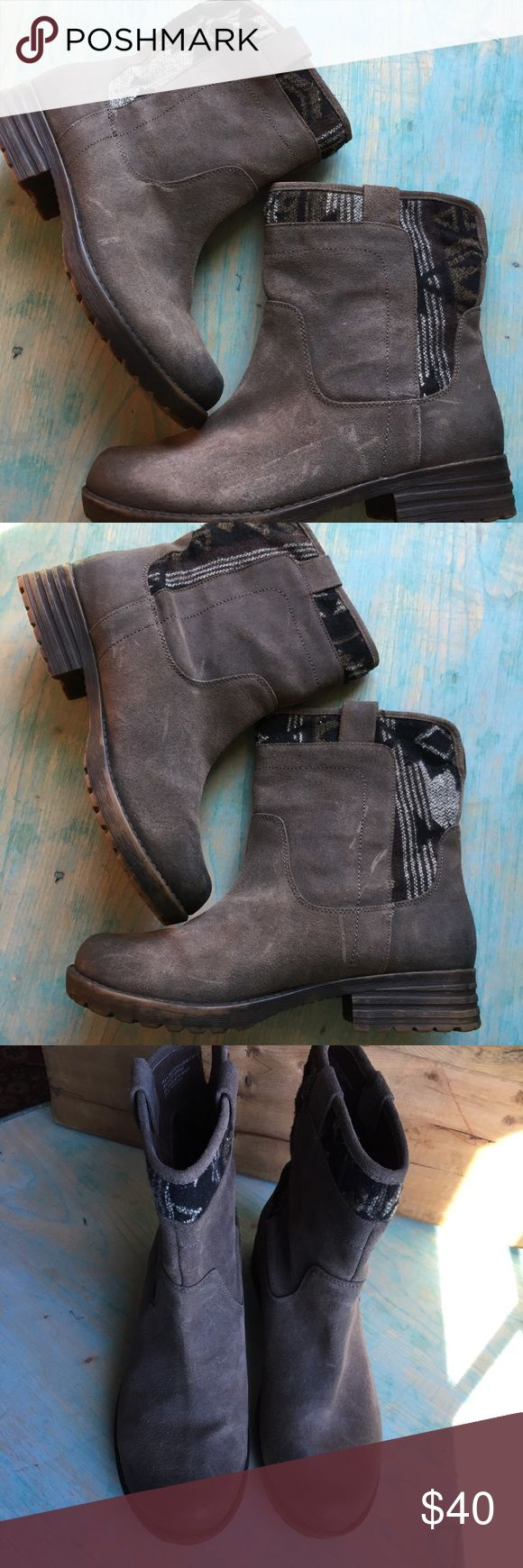 Tara M gray leather Taya ankle boots 8.5 Excellent preowned condition Tara M Shoes Ankle Boots & Booties
