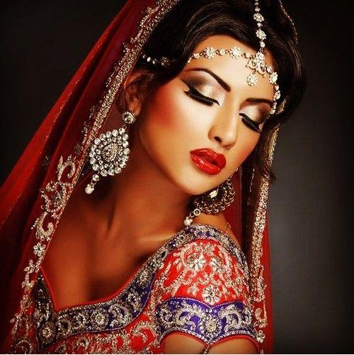 Indian bridal makeup. Love her eyes.