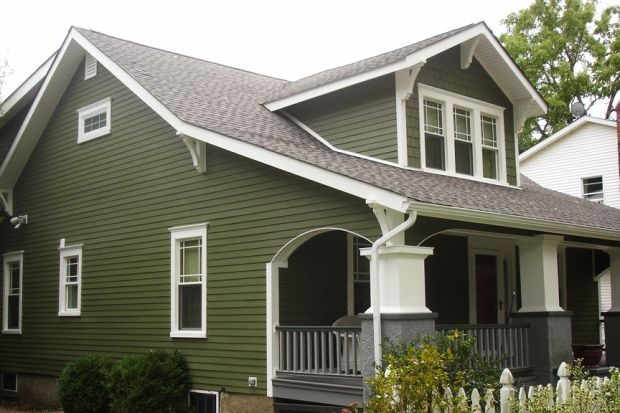Poctures of homes with green siding ghi home james for Green siding house