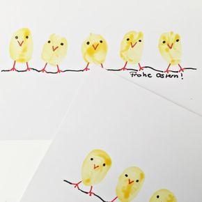 Grußkarte zu Ostern mit süßen Kücken! Diese Karte könnt ihr auch zusammen mit euren Kleinkindern basteln und sie ist ganz schnell fertig! Wie es geht steht hier: http://schwesternliebeundwir.de/schnelle-osterkarten-mit-kindern-basteln/