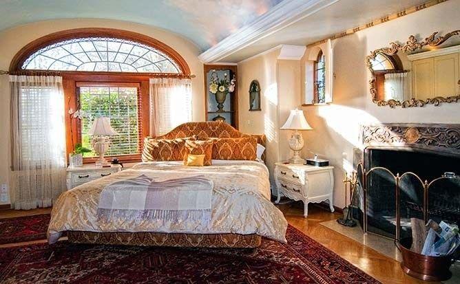 Villa Marco Polo Bed and Breakfast Inn Room