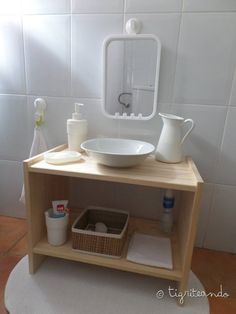 20 objets pour la salle de bain de Montessorizar – Tigriteando   – Kinderzimmer montessori