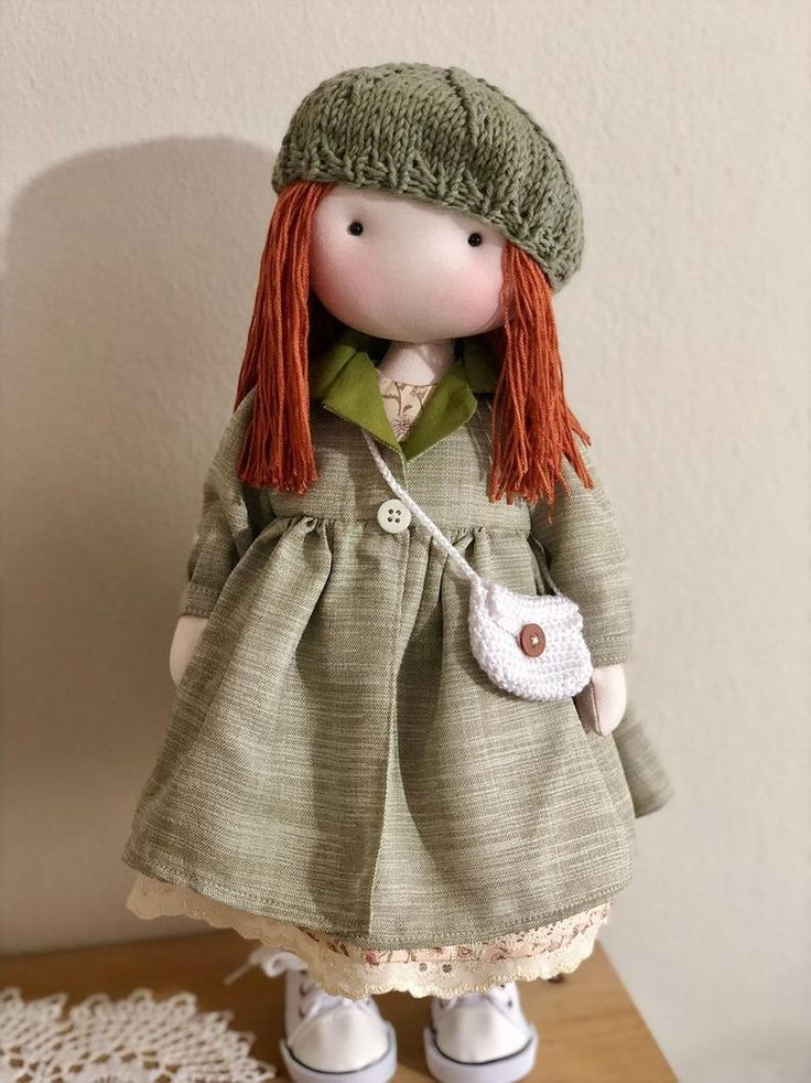 Diese wundervolle Stoffpuppe mit roten Haaren ist die, nach der Sie als …   – Handmade Crafts