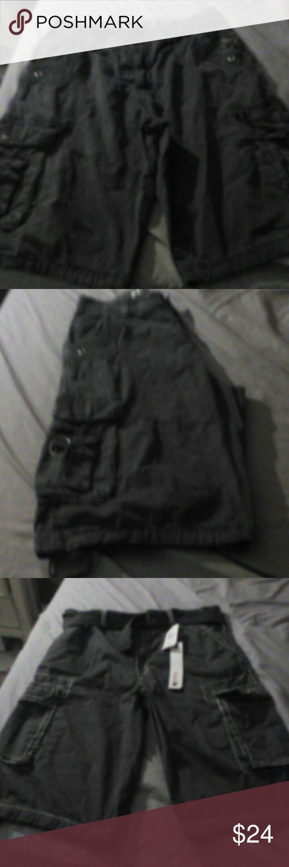 2 Guy shorts They r in great conditions one is with tags the other is used once both size 34 Shorts Cargo