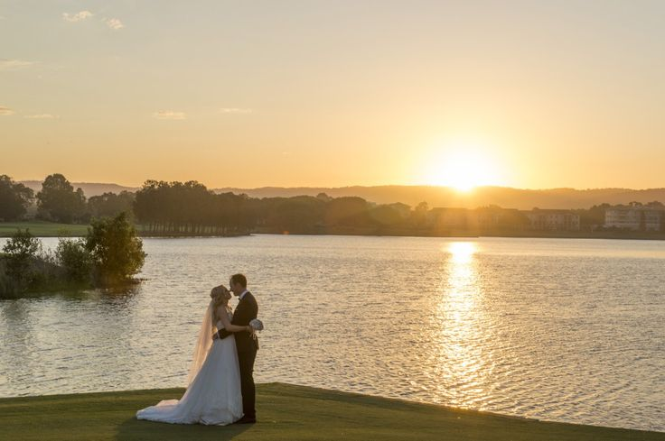 Links Hope Island is a popular wedding venue on the Gold Coast. They have a number of options for ceremonies and wonderful grounds for taking photos like these.  Courtesy of Rezolution Photography