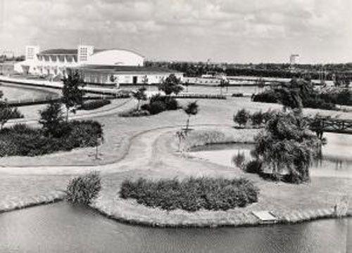 Sportpark Vijfsluizen in Vlaardingen; veel gesport toen in op Shell bedrijfsschool zat