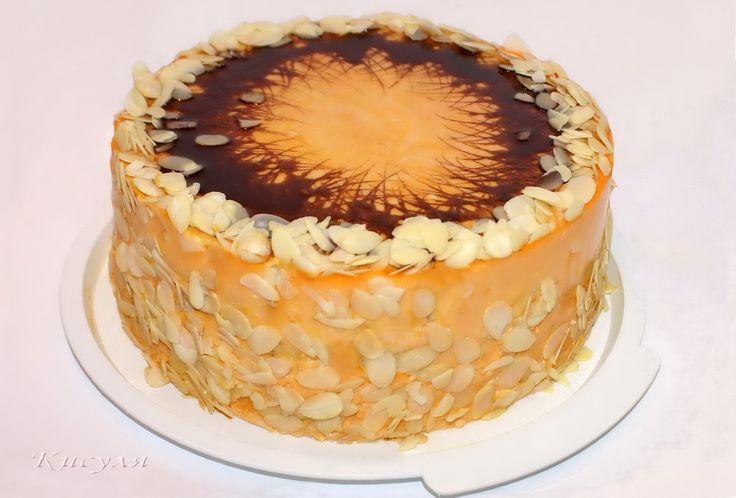 Торт пекла на День Рождения мужа, сама придумала. Получился высокий 10 см, исключительно апельсиновый, сочный, ароматный, пропитанный. Сначала, я предполагала украшать его песочной крошкой, оста…