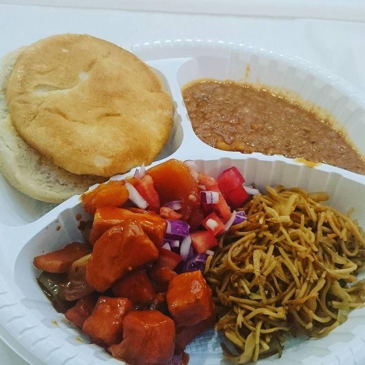 Pav bhaji and chilli paneer :Db