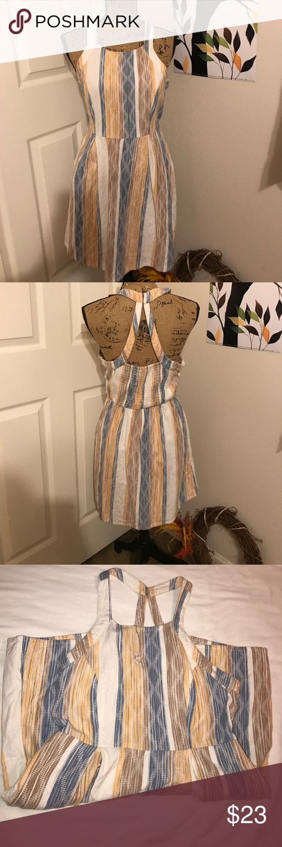 "O'NEILL Dress with pockets!!! Lovely O'NEILL Dress or used as a swim suit cover dress!!! with pockets!!!, Size L, Measures Arm Pit to Arm Pit 17"" Arm Pit to Bottom of Dress 24"" O'Neill Dresses"