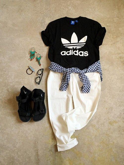 italie to franceのTシャツ・カットソー「アディダスTシャツ」を使ったナチュラル服のイタフラのコーディネートです。WEARはモデル・俳優・ショップスタッフなどの着こなしをチェックできるファッションコーディネートサイトです。
