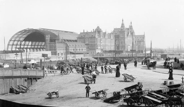 amsterdam De bouw van Amsterdam Centraal Station 1888