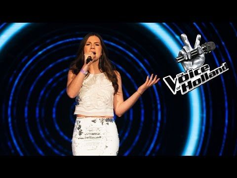 Maan – halo (The voice of Holland | Liveshow 3) - YouTube