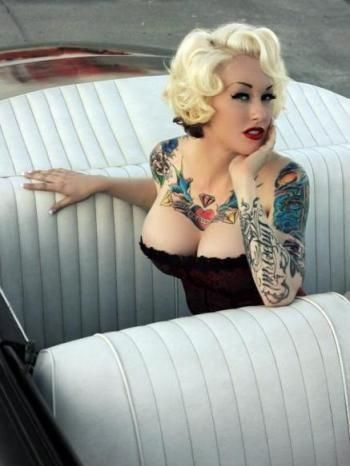 Amy DelaCroux Love her short rockabilly hair