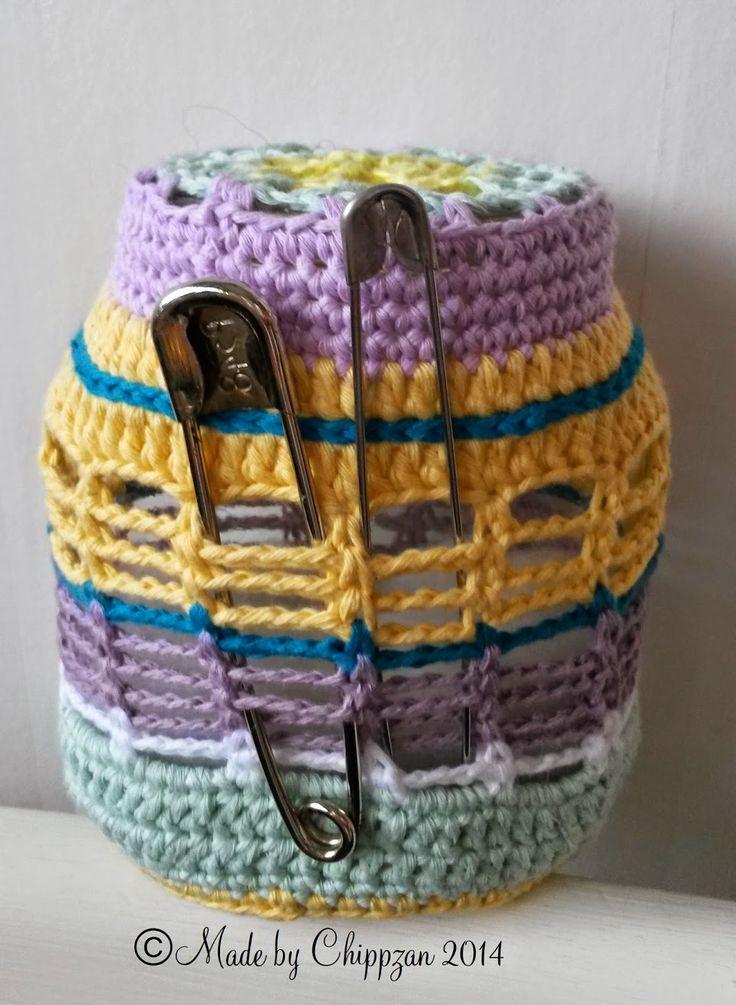 En blogg om handarbete och hantverk såsom virkning, stickning, mönster, inspiration, idéer, smycken, smide, bränna på skinn och trä.