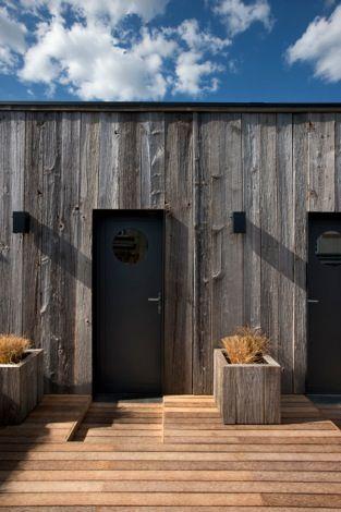 les 97 meilleures images du tableau bardage en vieux bois sur pinterest. Black Bedroom Furniture Sets. Home Design Ideas